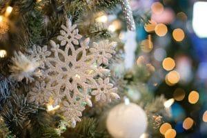 kersttrends lichte kerst tinten kleuren glamour pastel shine wit ster lichtjes