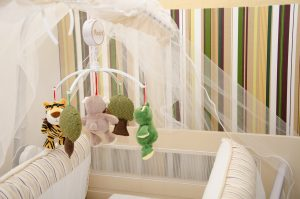retro behang babykamer